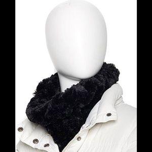 Adrienne Landau black faux fur scarf